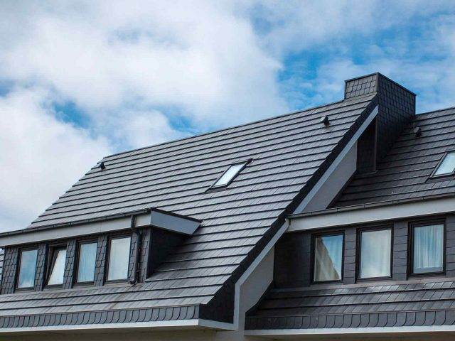 https://www.mccartyroofing.com/wp-content/uploads/2018/10/gallery_projects_17-640x480.jpg